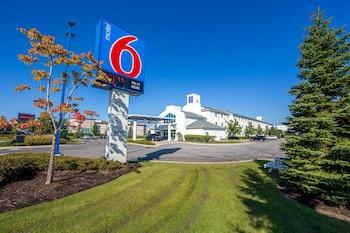 Hotel - Motel 6 Toronto Mississauga