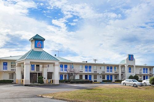 . Motel 6 Bells, TN - Brownsville