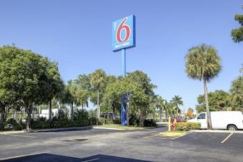 佛羅里達蘭塔納 6 號汽車旅館 Motel 6 Lantana, FL