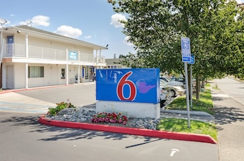 Hotel - Motel 6 Tacoma South