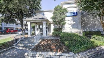 德克薩斯聖安東尼奧 - 六旗 6 號開放式客房飯店 Studio 6 San Antonio, TX - Six Flags