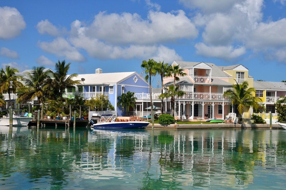 Sandyport Beach Resort Qantas Hotels