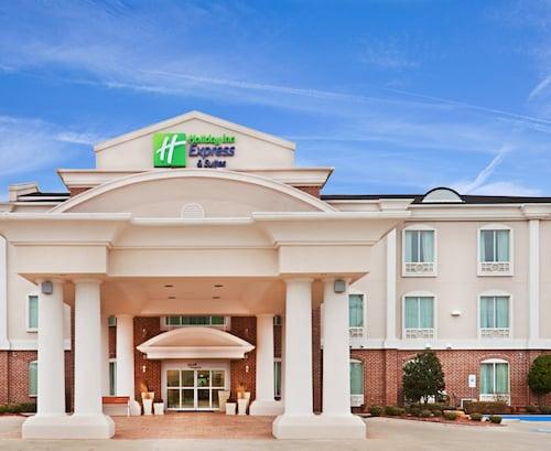 . Holiday Inn Express & Suites Waxahachie, an IHG Hotel