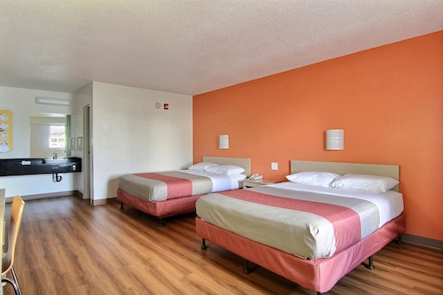 Motel 6 Cleveland - Middleburg Heights, Cuyahoga