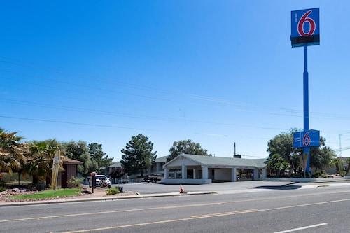 . Motel 6 Kingman, AZ - Route 66 West