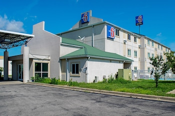 Hotel - Motel 6 Seymour North