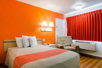 Motel 6 Mitchell - Guestroom  - #0
