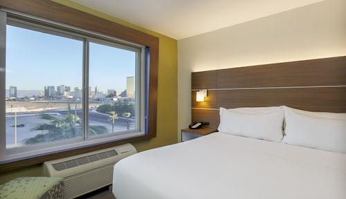 Holiday Inn Express Las Vegas South, Clark