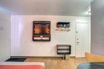 Motel 6 Murfreesboro - Guestroom  - #0
