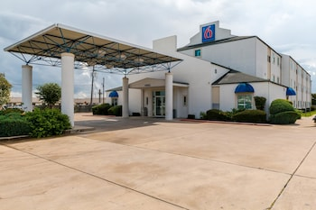 Hotel - Motel 6 San Antonio South