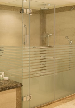 Sheraton Kuwait, A Luxury Collection Hotel, Kuwait City - Bathroom  - #0