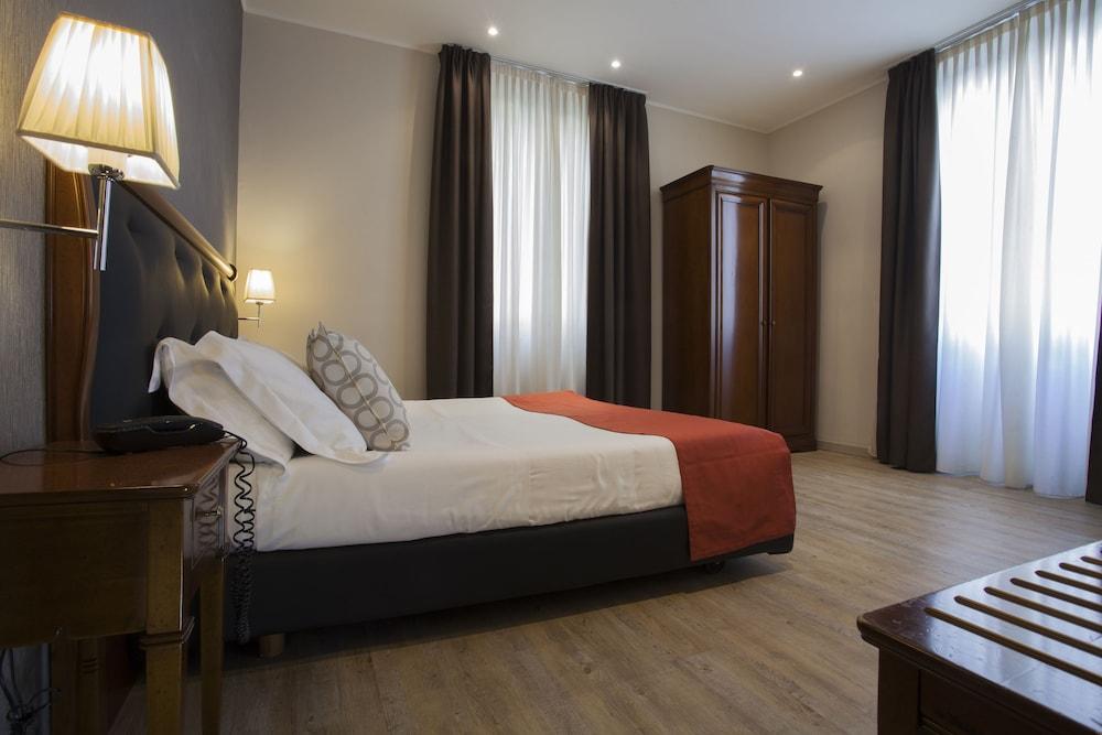 호텔 아스토리아 라팔로(Hotel Astoria Rapallo) Hotel Image 4 - Guestroom