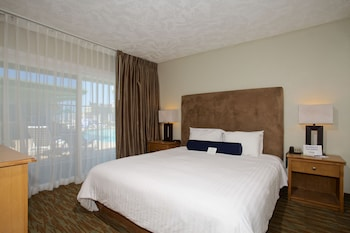 Guestroom at Surfer Beach Hotel in San Diego