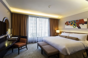 Bellevue Hotel Alabang Room