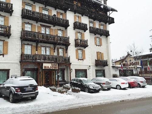 . Hotel Majoni