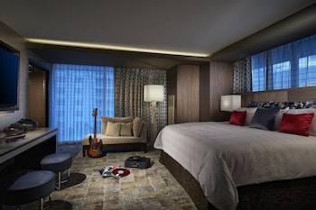 East Tower Gold Suite
