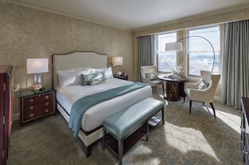 Deluxe Room, 1 King Bed, View (Water)