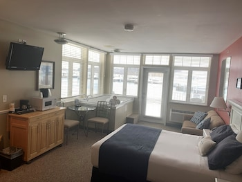 Premium Room, 1 Queen Bed with Sofa bed, Lake View, Corner
