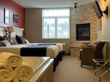 Classic Room, 2 Queen Beds, City View