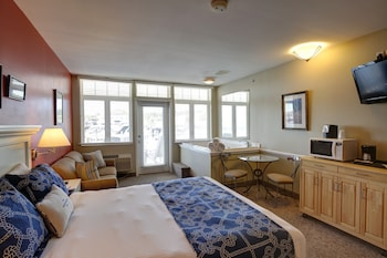 Deluxe Room, Lake View