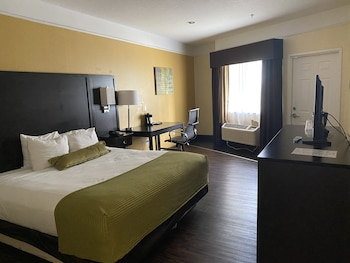 Deluxe Room, 1 King Bed, Accessible, Balcony