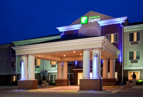 . Holiday Inn Express Hotel & Suites Vermillion, an IHG Hotel