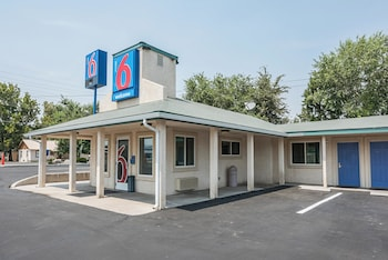 Motel 6 Fallon photo