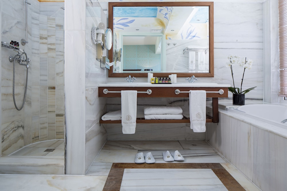 엘룬다 걸프 빌라 앤 스위트(Elounda Gulf Villas And Suites) Hotel Image 51 - Bathroom