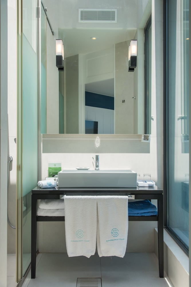 엘룬다 걸프 빌라 앤 스위트(Elounda Gulf Villas And Suites) Hotel Image 55 - Bathroom Sink