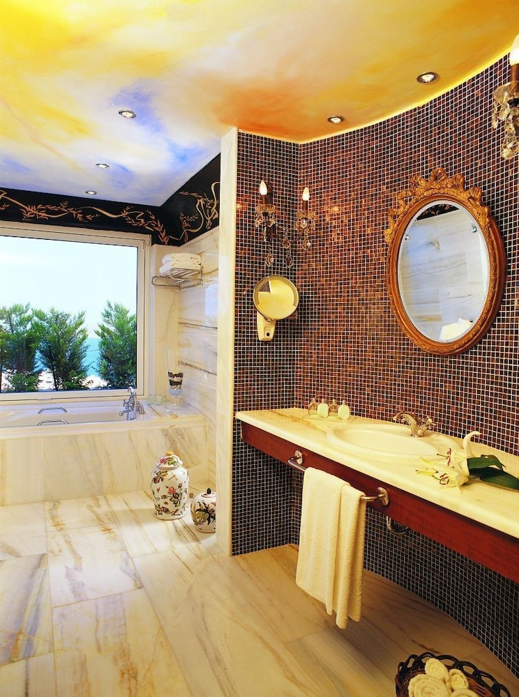 엘룬다 걸프 빌라 앤 스위트(Elounda Gulf Villas And Suites) Hotel Image 52 - Bathroom