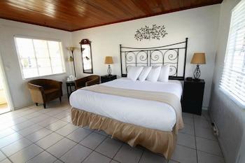Island Breeze Inn