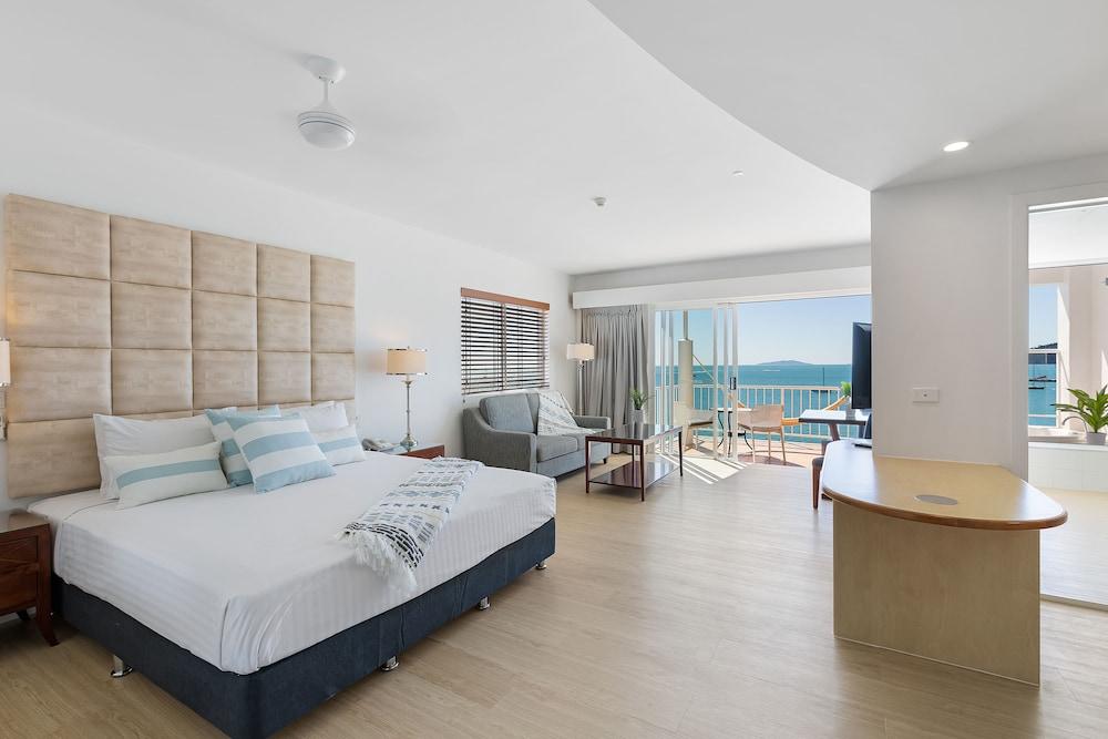 https://i.travelapi.com/hotels/2000000/1050000/1047200/1047180/c3b6b8fa_z.jpg