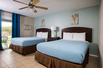 Standard Room, 2 Queen Beds, Patio, Park Side (Dog Friendly)