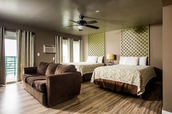Suite, 2 Queen Beds and 1 Sofa Bed, Balcony, Ocean View (No pets)