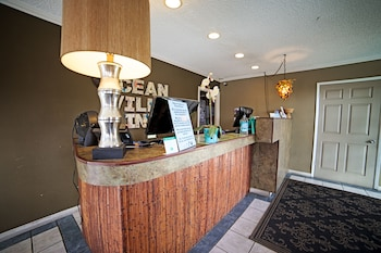 Lobby at Ocean Villa Inn in San Diego