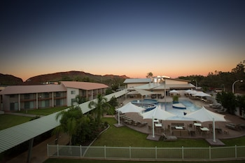 Crowne Plaza Alice Springs Lasseters - Featured Image