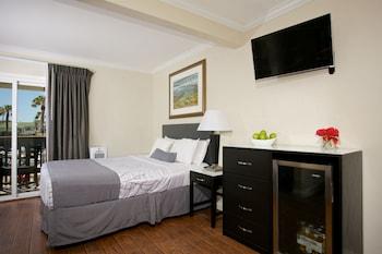 Standard Room, 2 Queen Beds, Balcony, Ocean View