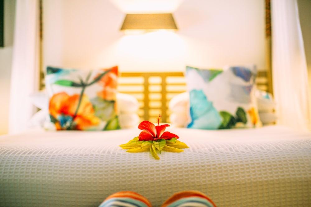 https://i.travelapi.com/hotels/2000000/1050000/1048300/1048261/264c506f_z.jpg