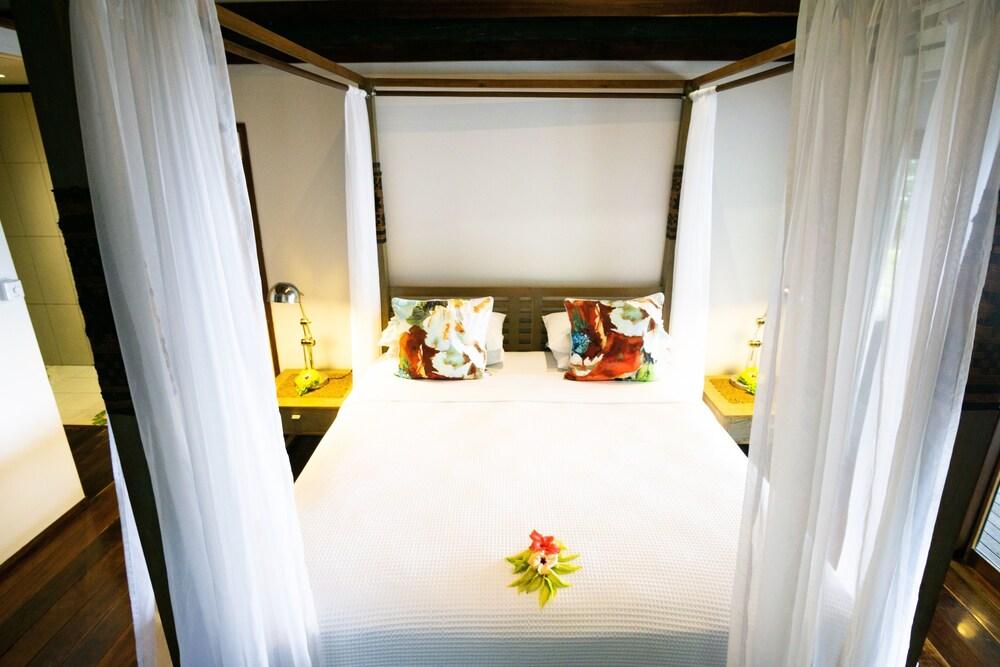 https://i.travelapi.com/hotels/2000000/1050000/1048300/1048261/abf1c83d_z.jpg