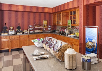 Hotel - Hampton Inn & Suites Valdosta/Conference Center
