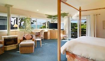 Suite, 1 King Bed, Partial Sea View, Beachside (Dunes Beach)