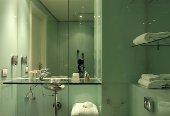 Hotel Executive - Bathroom  - #0