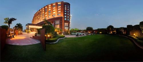 Noida - Radisson Blu Hotel Noida - ze Szczecina, 1 kwietnia 2021, 3 noce