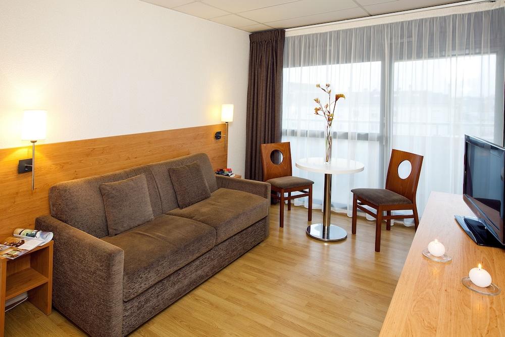 세주르 & 아페레 브레타뉴 - 렌(Séjours & Affaires Bretagne - Rennes) Hotel Image 18 - Guestroom