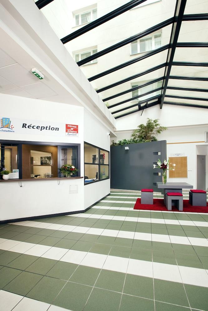 세주르 & 아페레 브레타뉴 - 렌(Séjours & Affaires Bretagne - Rennes) Hotel Image 5 - Reception