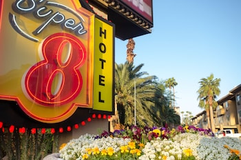 Super 8 by Wyndham Las Vegas North Strip/Fremont St. Area Image