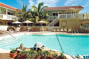 Hotel - Tortuga Inn Beach Resort