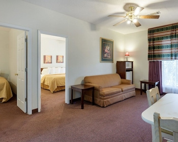 Memphis Area Vacations - Quality Inn - Property Image 1