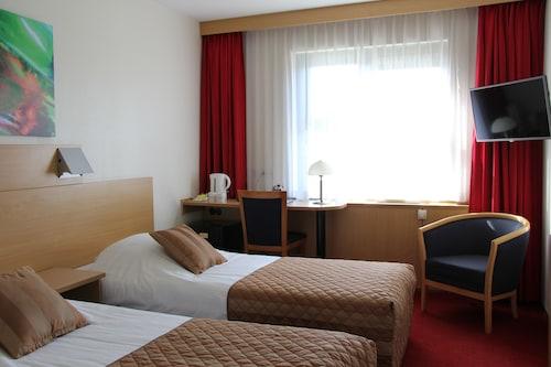 Lejda - Bastion Hotel Leiden Voorschoten - z Poznania, 7 kwietnia 2021, 3 noce