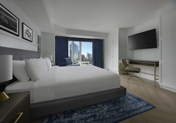 City Room, 1 King Bed